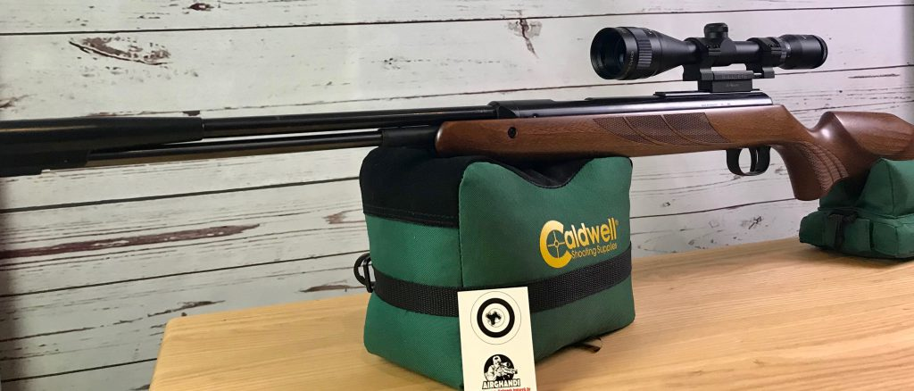 Diana 430L und Bullseye Zielfernrohr auf Caldwell Cadcu Gewehrunterlage