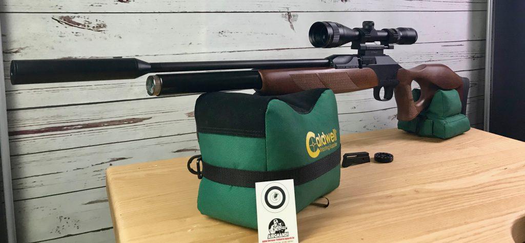 Diana P1000 Target Hunter auf Caldwell Cadcu Gewehrunterlage mit Bullseye Zielfernrohr