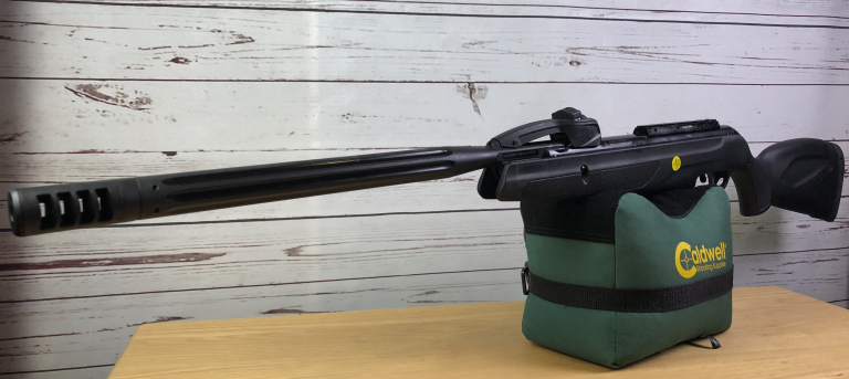 Gamo Replay 10 Maxxim IGT auf Caldwell Cadcu Gewehrunterlage