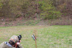 AirGhandi beim beschießen einer Field Target Silhouette