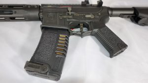 Ares AMOEBA M4 Handgriff und Magazin