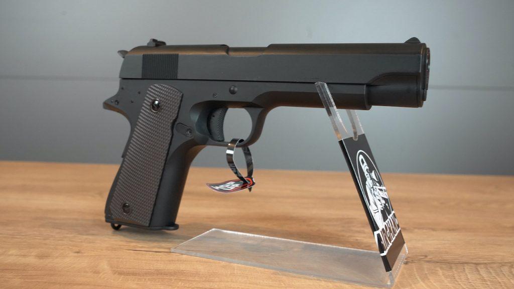 Cyma CM.123 AEP Airsoft Pistole Ansicht rechts hinten vorne
