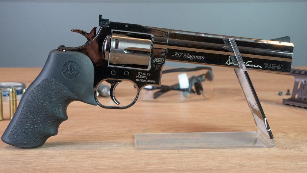 Dan Wesson 715 6 Co2 Revolver Nahaufnahme rechts