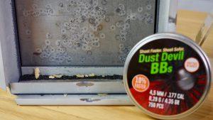 Stahlstaub der H&N Dust Devil BBs im Kugelfangkasten