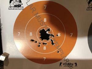 Zielscheibe beschossen mit der Steyr LP50RF mit dem neuen Griff