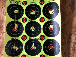 Splatterburst Targets mit Einschusslöchern von verschiedenen Diabolos
