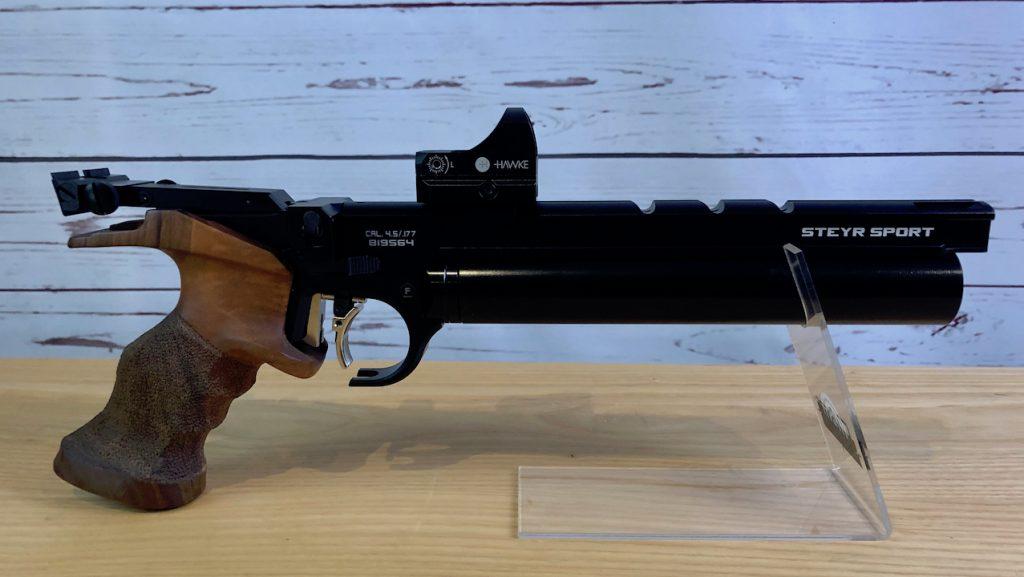 Steyr LP50RF mit Hawke Reflexvisier Rink Formgriffe Universalgriff