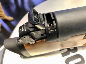 Steyr Pro X Magazinschacht zur Aufnahme des 10 Schuss Trommelmagazins Manuelle Sicherung