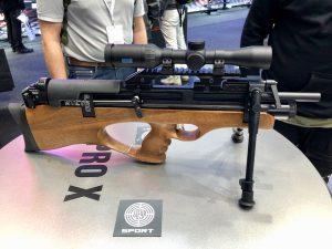 Steyr Pro X Scout Ansicht rechte Seite mit Zweibein und Zielfernrohr